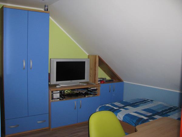 Brunarica: otroška soba modra