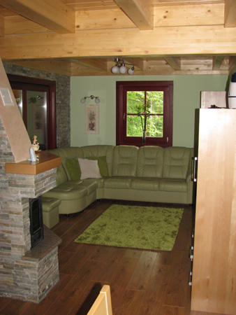 stanovanjska brunarica: dnevna soba