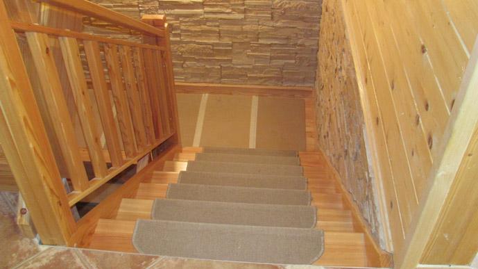 Stopnišče v brunarici